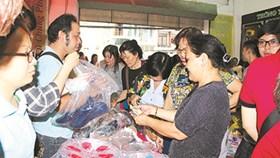 Công nhân mua hàng Tết  giá ưu đãi, chất lượng
