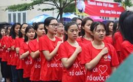 """Hơn 5000 sinh viên đội mưa xếp hình tại chương trình """"Tôi yêu tổ quốc tôi"""""""