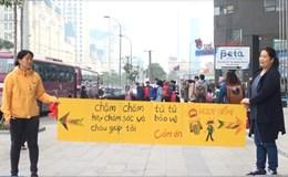 Vụ người Hàn Quốc cầm biển chặn xe lao lên vỉa hè: Tước bằng 2 lái xe ôtô