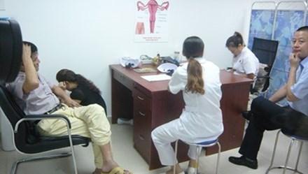 """Dân tìm đến phòng khám nước ngoài thường là """"mắc bệnh khó nói"""""""