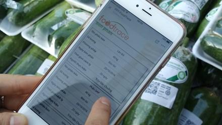 Người dân TPHCM bắt đầu truy xuất nguồn gốc rau bằng smartphone