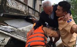 Mưa lũ lớn ở Bắc Miền Trung: Hơn 20.000 ngôi nhà lại ngập trong biển nước