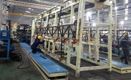 Hàng nghìn công nhân góp sức tái hoạt động nhà máy