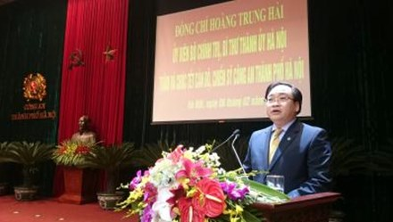 Tân Bí thư Thành ủy Hà Nội thăm hỏi, chúc Tết lực lượng vũ trang