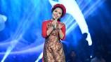 """Bạch Trà: 9X hiếm hoi hát ca Huế khiến khán giả """"nhớ quê lắm"""""""
