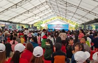 Hàng nghìn công nhân đổ về Ngày hội tư vấn pháp luật