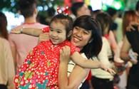 Giáng sinh ấm áp, vui nhộn trên phố Sài Gòn
