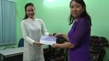 Ca sĩ Hà Thúy Anh tặng 45 triệu đồng đến đồng bào miền Trung