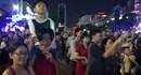 Người Sài Gòn đón năm mới bằng nhạc sôi động và ánh sáng 3D