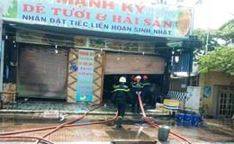 TPHCM: Khách sạn, quán nhậu, nhà dân liên tiếp cháy trong sáng nay