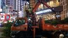 Bồn hoa quán cà phê hạng sang, bậc tam cấp nhà hát kịch bị quận 1 đập bỏ