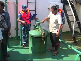 Cảnh sát biển bắt vụ buôn lậu 1,2 triệu lít dầu