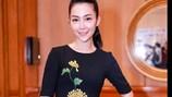 Linh Nga đẹp nồng nàn với váy hoa cúc thêu tinh tế