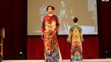 Áo dài Việt Nam gây ấn tượng mạnh trong mắt bạn bè quốc tế