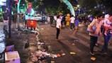 Rác tràn ngập trung tâm sau lễ hội: Nên phạt nặng để nâng cao ý thức?
