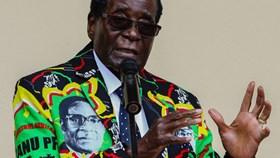 Tổng thống Robert Mugabe 93 tuổi vẫn chưa định nghỉ hưu