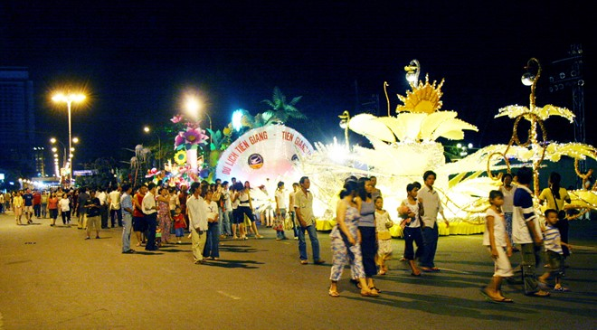 Festival biển Nha Trang 2015: Thông điệp của tình yêu hòa bình và sáng tạo