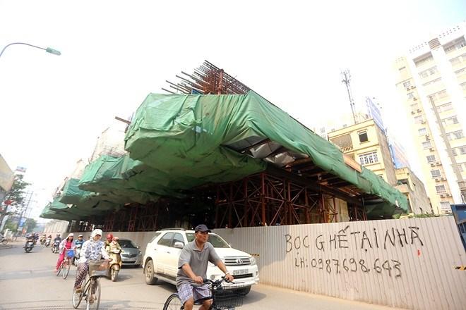 Toàn cảnh dự án đường sắt trên cao ngổn ngang, hoen gỉ và hiểm nguy rình rập