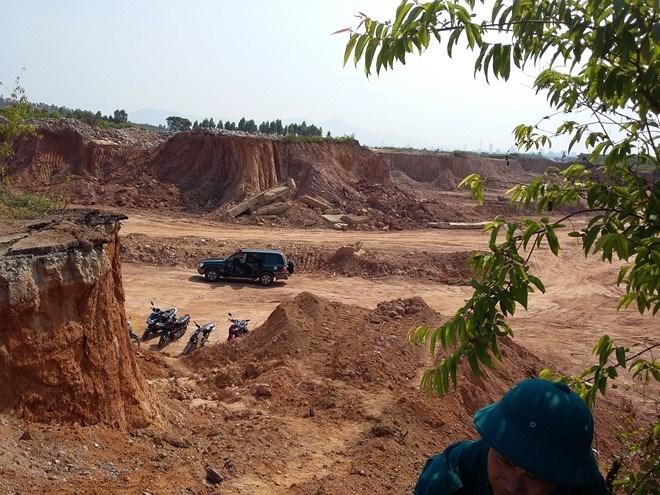 Đà Nẵng: Xúc mất nhiều ngôi mộ, Cty Tiến Thanh bị xử phạt 140 triệu đồng