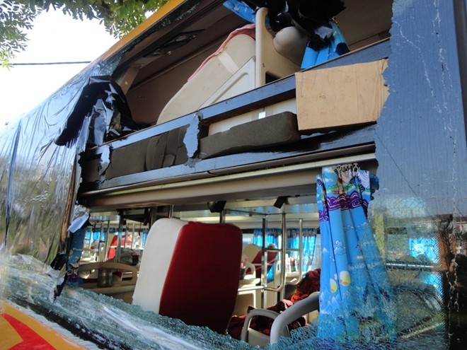 Xe khách bị ném đá: Giây phút kinh hoàng qua lời kể các tài xế
