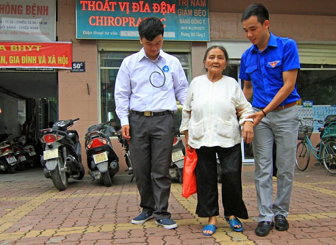 Hà Nội: Khai trương phòng khám chữa bệnh miễn phí cho lao động nghèo