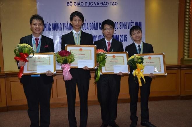 Olympic Tin học Quốc tế 2015: Chiến thắng thuyết phục của đoàn thí sinh Việt Nam