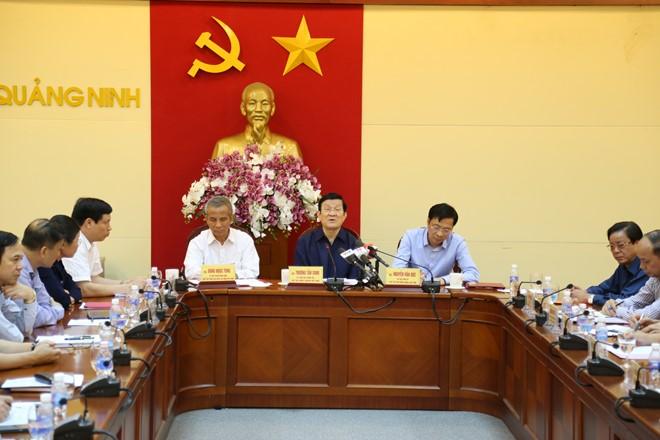 Chủ tịch Nước Trương Tấn Sang thăm, tặng quà và kiểm tra tình hình khắc phục mưa lũ tại Quảng Ninh - ảnh 1