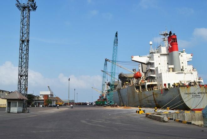 Công nhân Cảng Quy Nhơn đồng loạt nghỉ việc, TGĐ lên tiếng xin lỗi