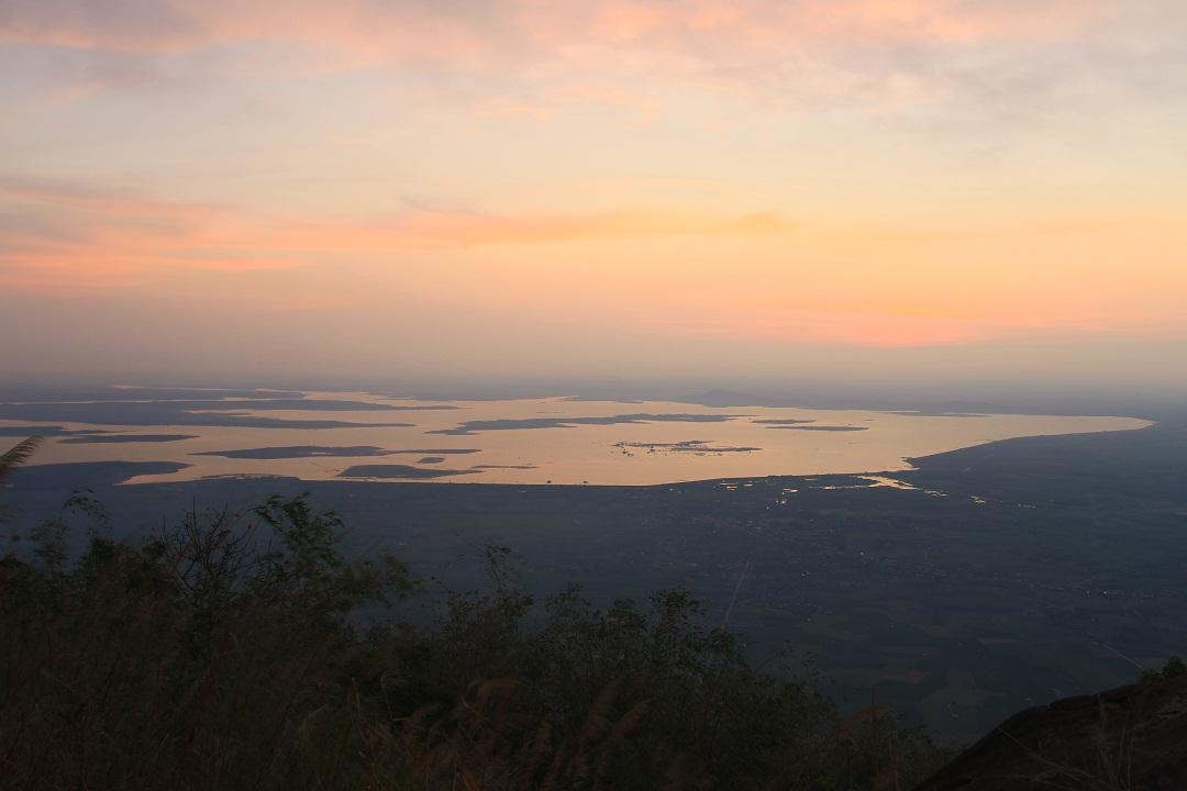 Mãn nhãn cảnh sắc bình minh trên núi Bà Đen - Ảnh minh hoạ 12