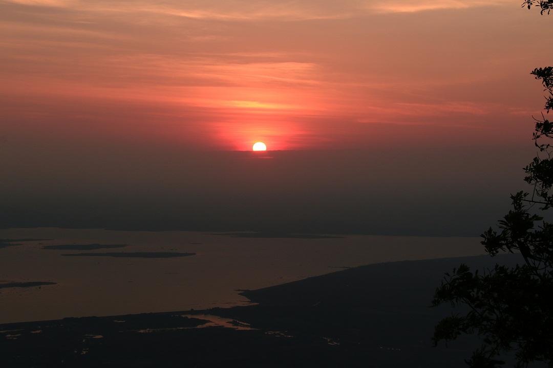 Mãn nhãn cảnh sắc bình minh trên núi Bà Đen - Ảnh minh hoạ 6