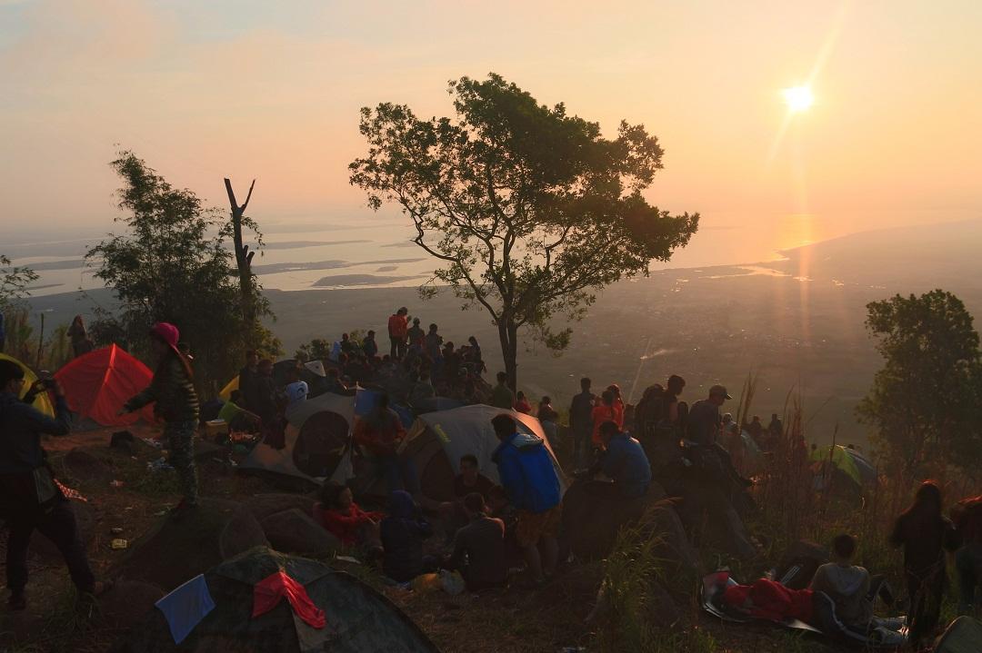 Mãn nhãn cảnh sắc bình minh trên núi Bà Đen - Ảnh minh hoạ 9