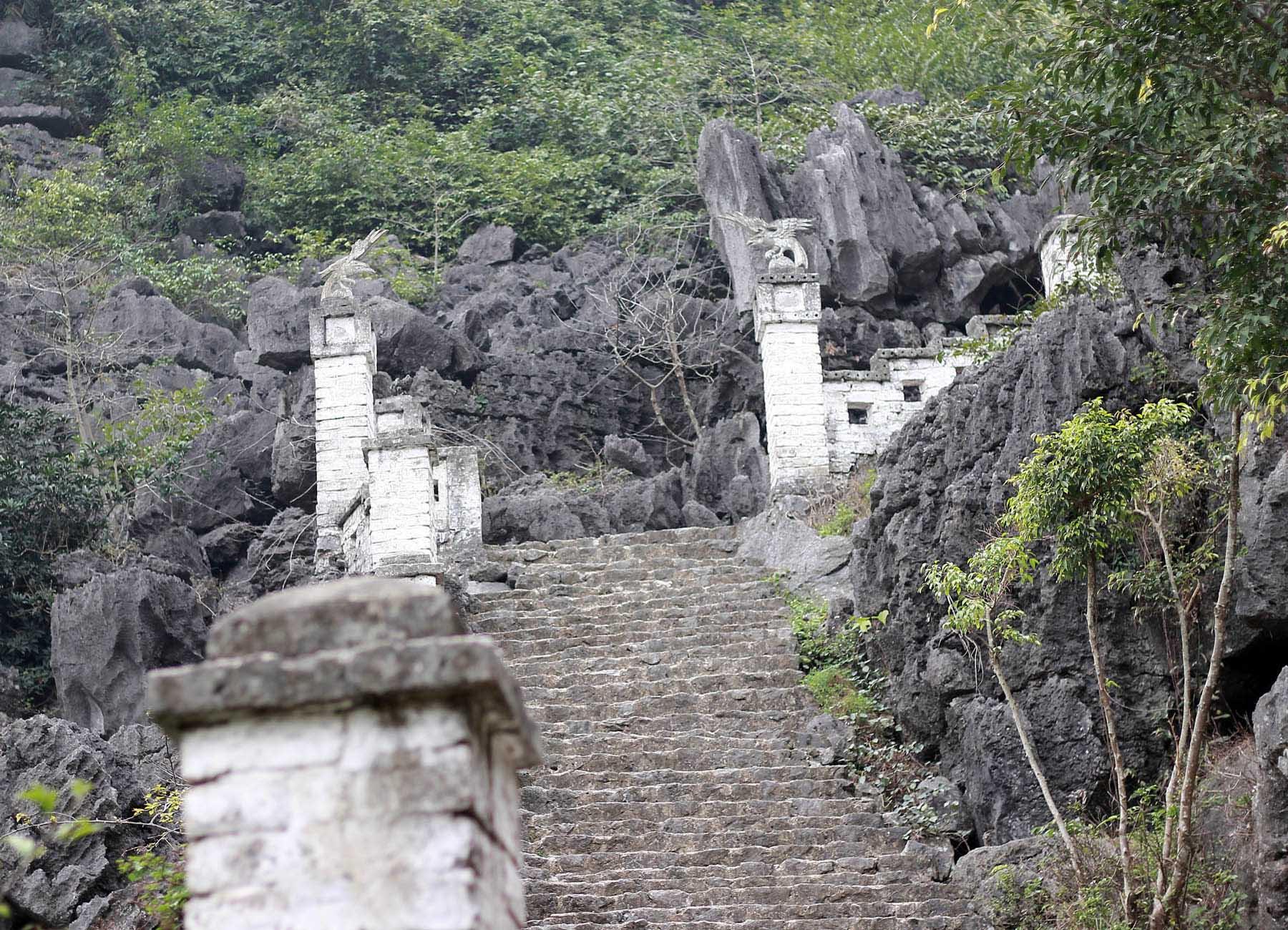 Ghé thăm hang Múa kì thú của Ninh Bình - Ảnh minh hoạ 3