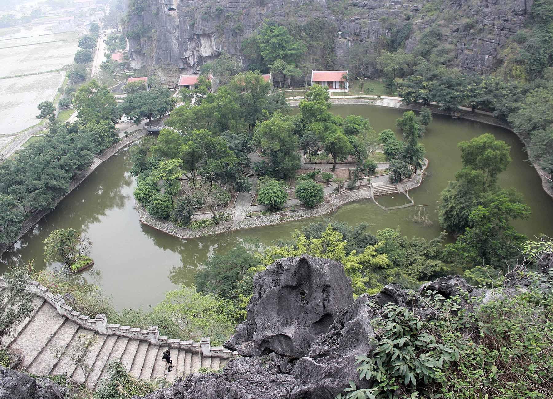 Ghé thăm hang Múa kì thú của Ninh Bình - Ảnh minh hoạ 2