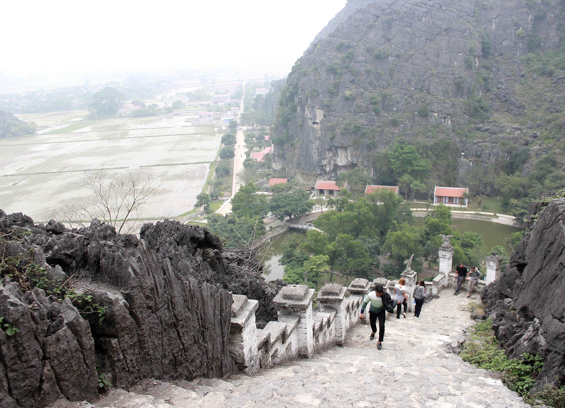 Ghé thăm hang Múa kì thú của Ninh Bình - Ảnh minh hoạ 6