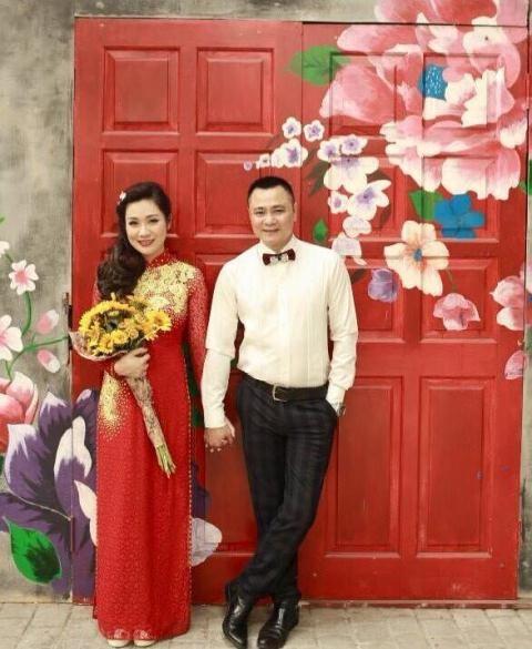 Chiêm ngưỡng nhan sắc xinh hơn hotgirl của vợ hai diễn viên hài Tự Long - Ảnh 8