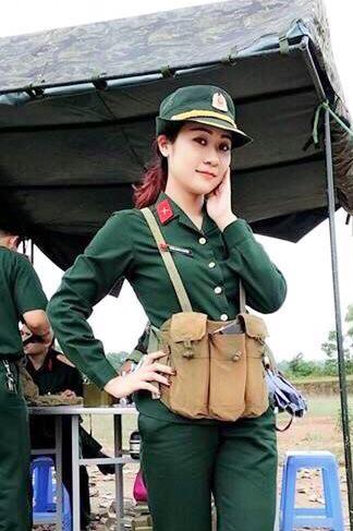 Chiêm ngưỡng nhan sắc xinh hơn hotgirl của vợ hai diễn viên hài Tự Long - Ảnh 1