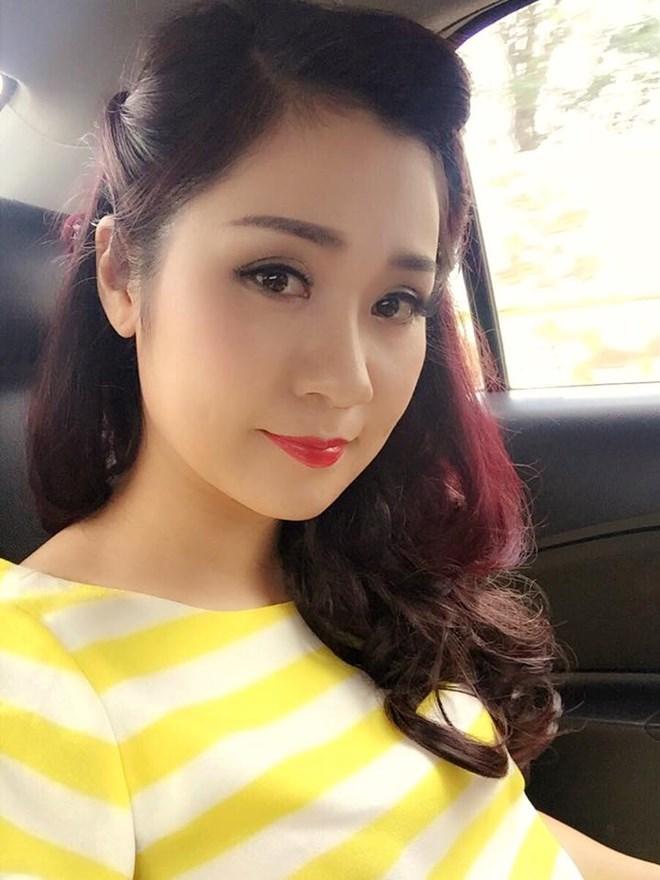 Chiêm ngưỡng nhan sắc xinh hơn hotgirl của vợ hai diễn viên hài Tự Long - Ảnh 4