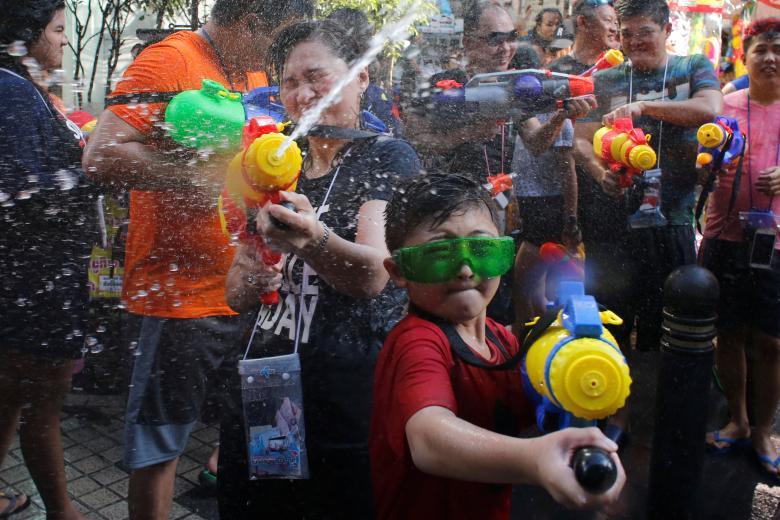Sôi động tết té nước Songkran Thái Lan - Ảnh minh hoạ 8