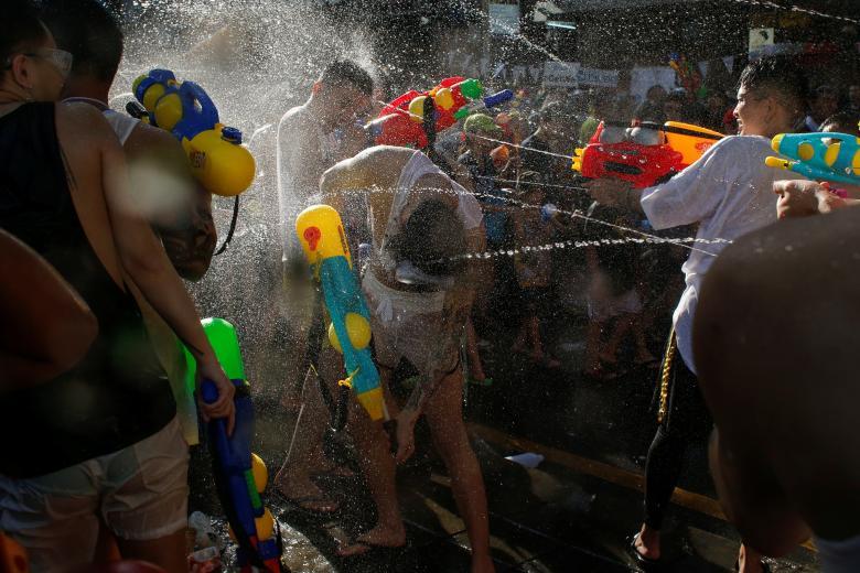 Sôi động tết té nước Songkran Thái Lan - Ảnh minh hoạ 10