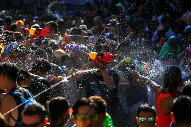Sôi động tết té nước Songkran Thái Lan - Ảnh minh hoạ 11