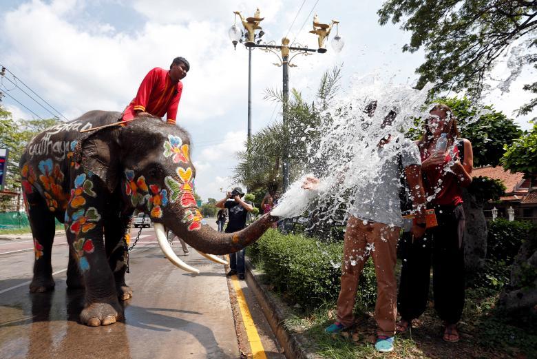 Sôi động tết té nước Songkran Thái Lan - Ảnh minh hoạ 12