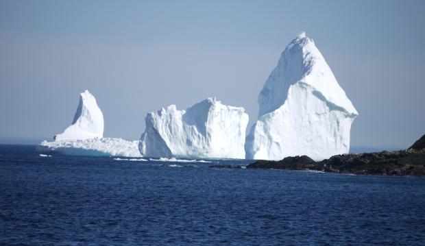 Thị trấn nhỏ hút du khách nhờ tảng băng trôi khổng lồ - Ảnh minh hoạ 4