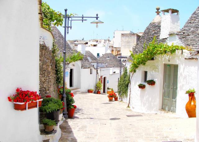 Vi vu những ngôi làng cổ đẹp như cổ tích trên thế giới - H15