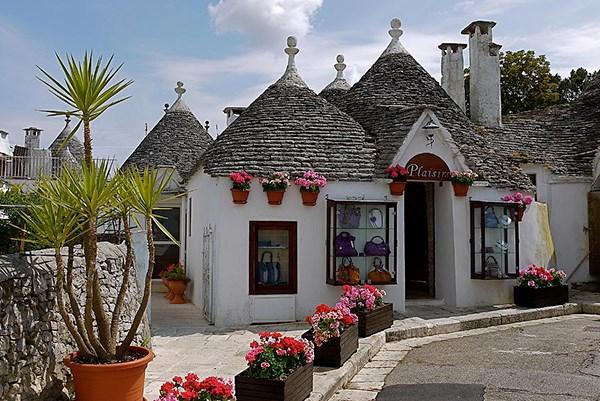 Vi vu những ngôi làng cổ đẹp như cổ tích trên thế giới - H16