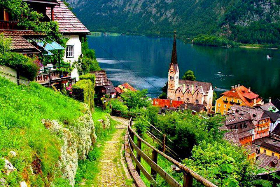Vi vu những ngôi làng cổ đẹp như cổ tích trên thế giới - H18