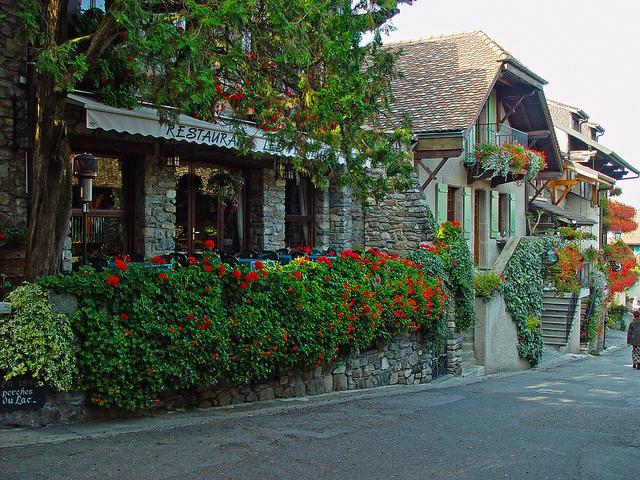 Vi vu những ngôi làng cổ đẹp như cổ tích trên thế giới - H9