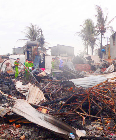 An Giang: Cháy 85 căn nhà ven biên giới 2