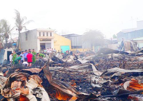 An Giang: Cháy 85 căn nhà ven biên giới 3