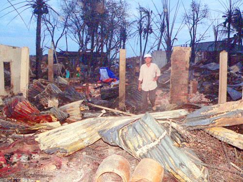 An Giang: Cháy 85 căn nhà ven biên giới 4