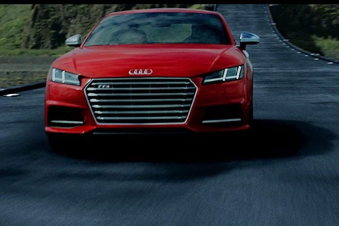 Audi khoe xe khủng trong phim bom tấn The Avengers